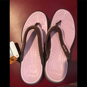 CROCS Shoes - NWT CROCS Vezzy Women Brown/Pink Flip Flops 7